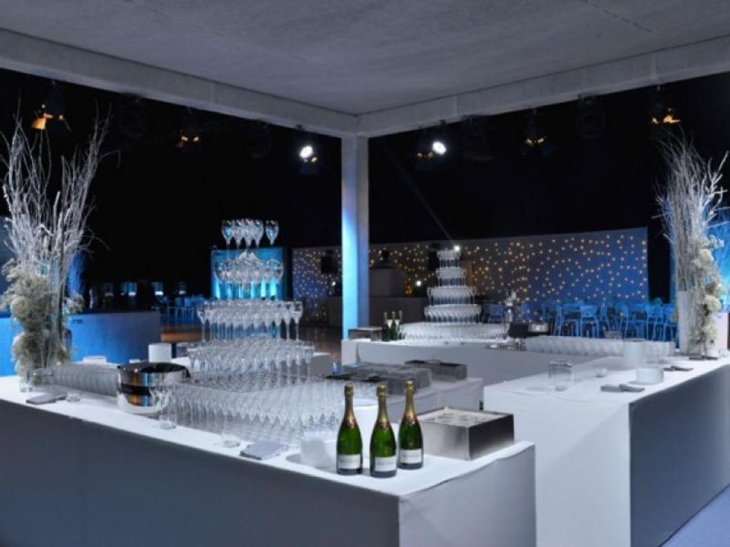 Avant-Première de James Bond avec le Champagne Bollinger (1800 personnes)