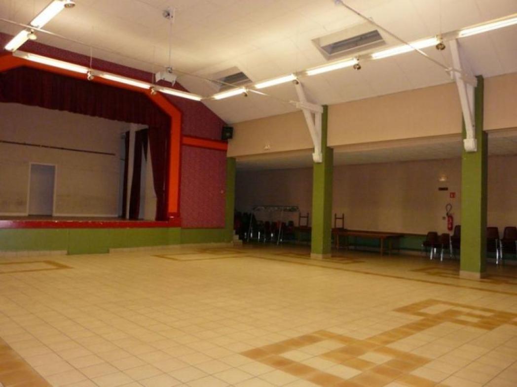 Salle des fêtes Oger, avant